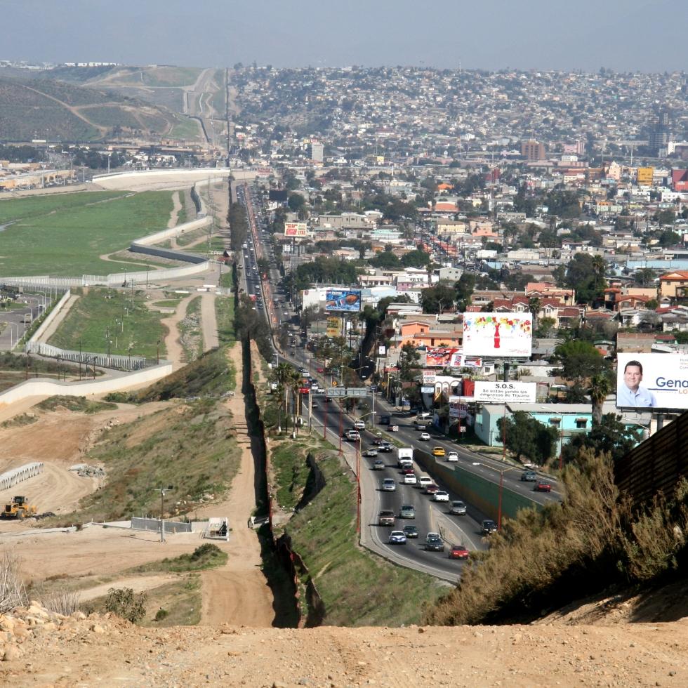 border wall mexico us legalization drugs marijuana cannabis trump
